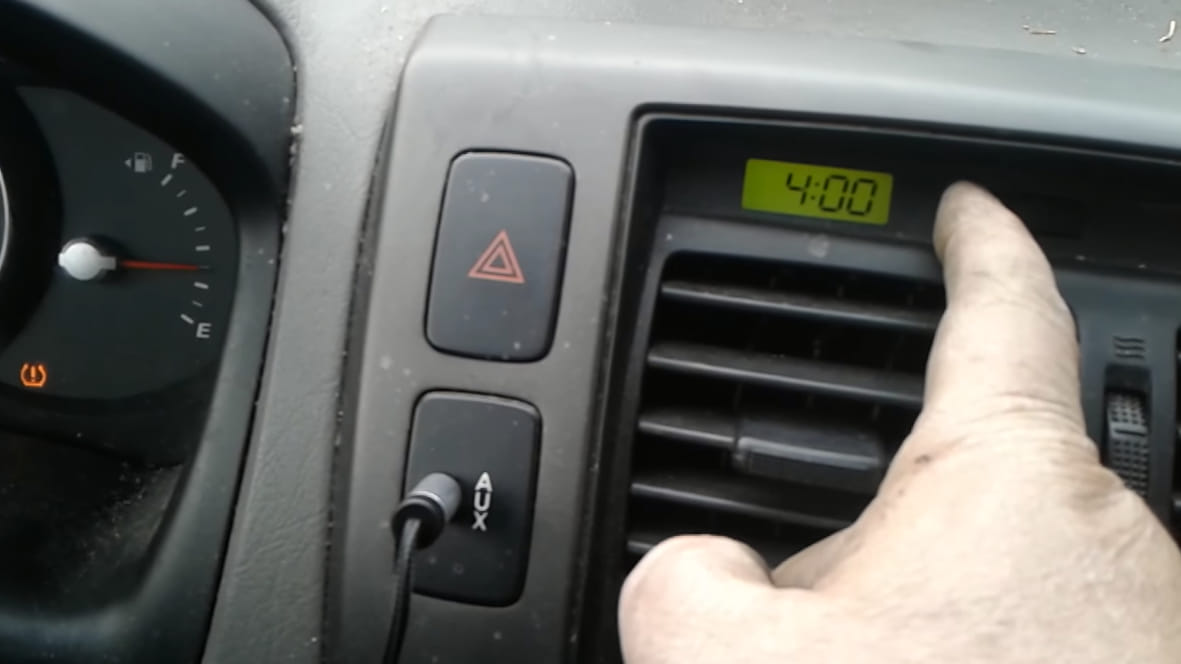 how to fix a hyundai tucson clock not working